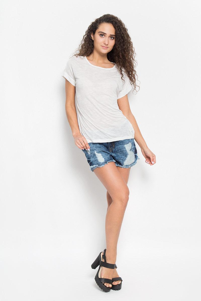 Футболка1035540.00.71_8005Стильная женская футболка Tom Tailor Denim, выполненная высококачественной вискозы с добавлением хлопка, обладает высокой теплопроводностью, воздухопроницаемостью и гигроскопичностью, позволяет коже дышать. Модель со стильными рукавами и круглым вырезом горловины. По спинке футболка оформлена разрезами. Такая футболка станет стильным дополнением к вашему гардеробу, она подарит вам комфорт в течение всего дня!