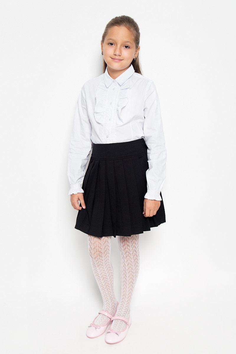 Юбка21502GSC6104Изящная юбка для девочки Gulliver идеально подойдет для школы и повседневной носки. Изготовленная из высококачественного материала, она необычайно мягкая и приятная на ощупь, не сковывает движения малышки и позволяет коже дышать, не раздражает даже самую нежную и чувствительную кожу ребенка, обеспечивая ему наибольший комфорт. Модель со складками и широким поясом застегивается на потайную молнию-застежку сбоку на талии. Размер модели в поясе регулируется вшитой резинкой. Такая юбка - незаменимая вещь для школьной формы, отлично сочетается с блузками и пиджаками.