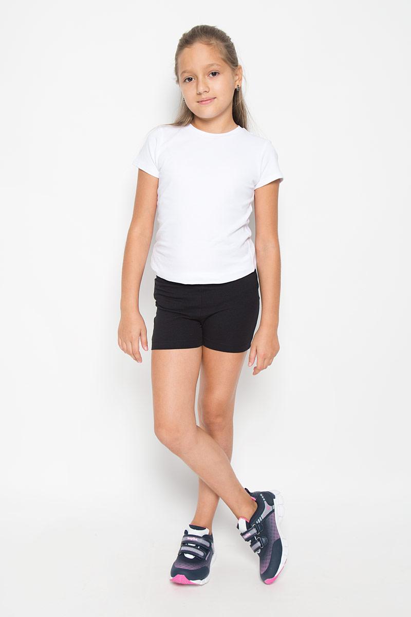 Шорты для девочки. SHk-615/124-6362SHk-615/124-6362Модные шорты для девочки Sela станут дополнением к гардеробу юной модницы. Изделие, выполненное из хлопка с добавлением эластана, не сковывает движения и позволяет коже дышать, обеспечивая наибольший комфорт. Модель на талии имеет широкую трикотажную резинку. Изделие выполнено в лаконичном стиле. В таких шортах ваша принцесса будет чувствовать себя уютно и комфортно.