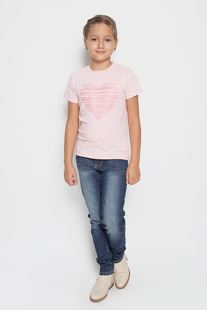Джинсы для девочки. 164007164007Удобные джинсы для девочки Scool идеально подойдут вашей маленькой моднице. Изготовленные из высококачественного комбинированного материала, они мягкие и приятные на ощупь, не сковывают движения, сохраняют тепло и позволяют коже дышать, обеспечивая наибольший комфорт. Джинсы прямого кроя застегиваются на пуговицу в поясе и ширинку на застежке-молнии, имеются шлевки для ремня. Джинсы имеют классический пятикарманный крой: спереди модель оформлена двумя втачными карманами и одним маленьким накладным кармашком, а сзади - двумя накладными карманами. Модель оформлена легкими потертостями. Практичные и стильные джинсы идеально подойдут вашей дочурке, а модная расцветка и высококачественный материал позволят ей комфортно чувствовать себя в течение дня!