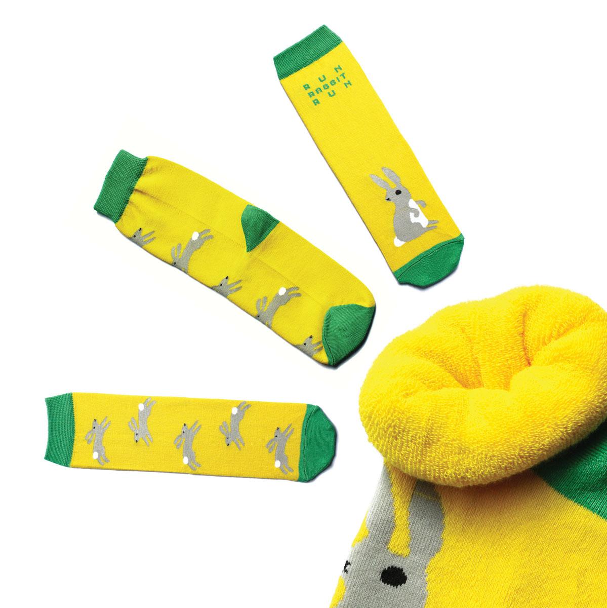 Носки жен. n223n223Яркие носки с несимметричным принтом заяц и надписью run, rabbit, run, махровые
