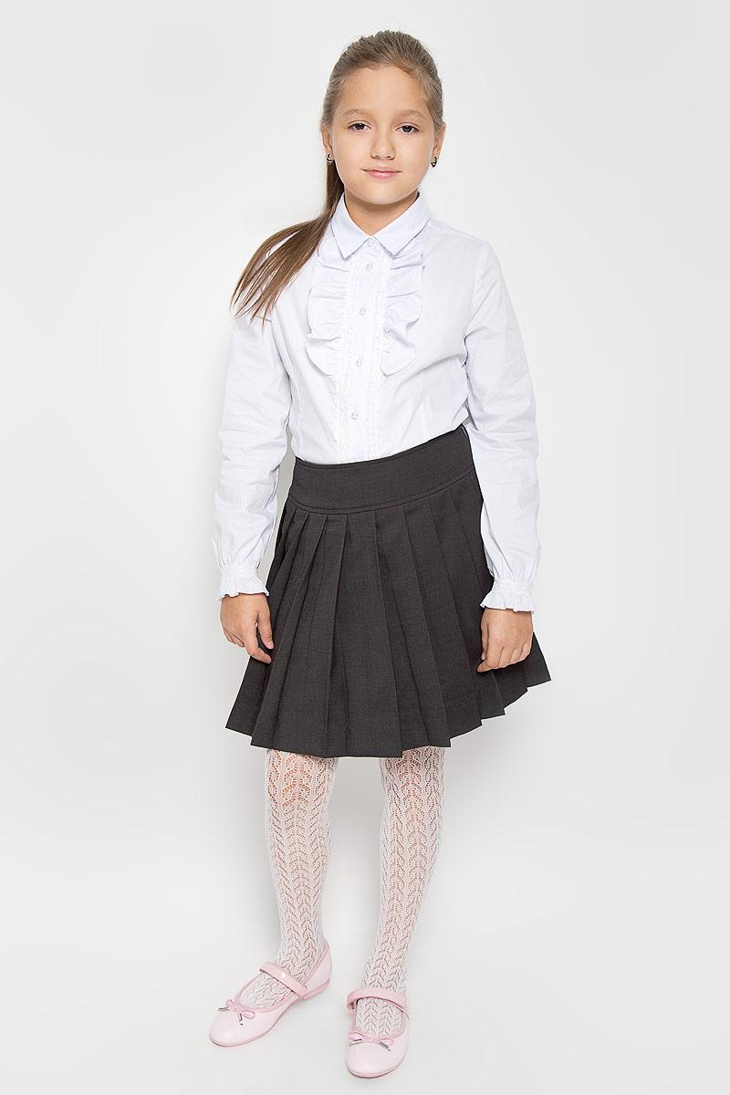 Юбка21502GSC6106Стильная юбка в складку Gulliver идеально подойдет вашей маленькой принцессе. Изготовленная из полиэстера с добавлением вискозы и шерсти, она необычайно мягкая и приятная на ощупь, не сковывает движения малышки и позволяет коже дышать, не раздражает даже самую нежную и чувствительную кожу ребенка, обеспечивая ему наибольший комфорт. Юбка на талии имеет широкий пояс. Сбоку застегивается на молнию, с внутренней стороны пояс регулируется резинкой на пуговице. Оригинальный современный дизайн и модная расцветка делают эту юбку модным и стильным предметом детского гардероба. В ней ваша малышка всегда будет в центре внимания!