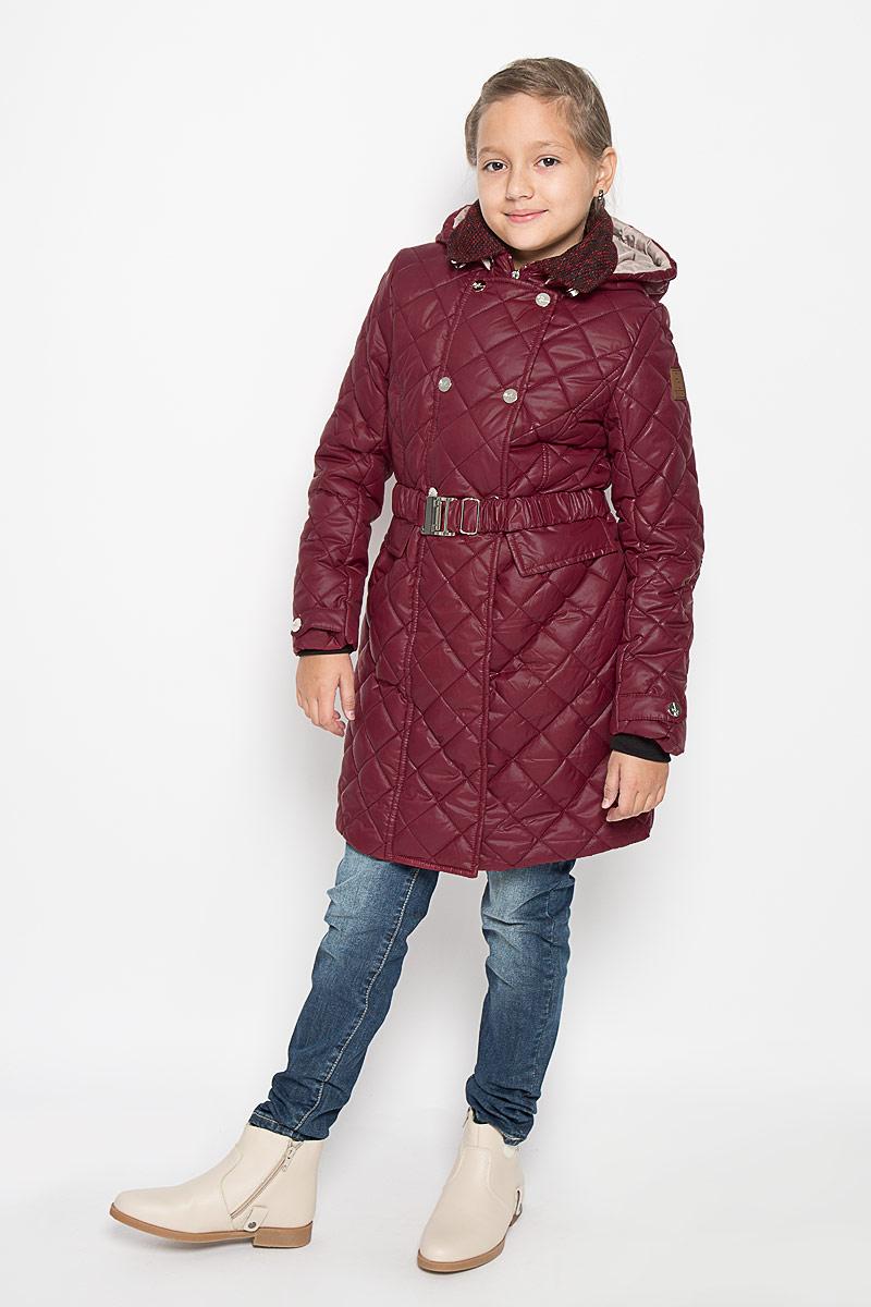 Пальто для девочки. 64051_BOG64051_BOG_вар.1Пальто для девочки Boom, изготовленное из полиэстера с добавлением вискозы, станет ярким и стильным дополнением к детскому гардеробу. Материал приятный на ощупь, позволяет коже дышать, легко стирается, быстро сушится. Подкладка выполнена из полиэстера и вискозы. В качестве утеплителя используется Синтепон 200 г/м2. Модель с капюшоном и длинными рукавами застегивается на пластиковую застежку-молнию и дополнительно имеет внешнюю ветрозащитную планку на кнопках. На талии пальто имеет шлевки для ремня с эластичным пояском на металлической застежке, благодаря которому оно плотно прилегает к телу. По бокам расположены карманы. Интересный элемент дизайна-отделка драпом воротничка и налокотников! До поясницы идет флисовая подкладка. Рукава дополнены трикотажными манжетами. Теплое, удобное и практичное пальто идеально подойдет юной моднице для прогулок!