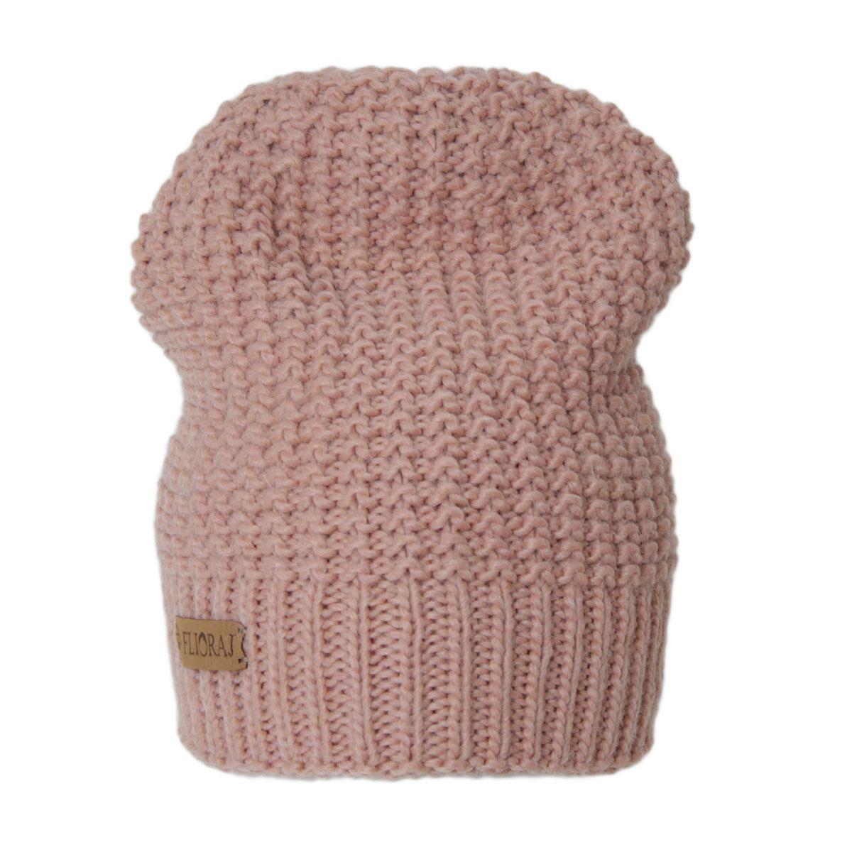 Шапка женская. 304FJ304FJТеплая двойная шапка из объемной итальянской пряжи. Состав пряжи делает изделие мягким, теплым, комфортным. Украшен фирменным кожаным логотипом.