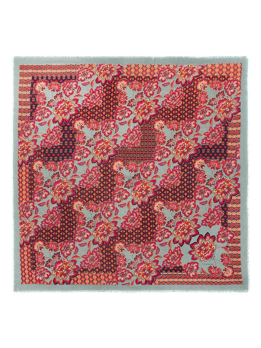 BL41-2358Женский платок Eleganzza, изготовленный из натуральной шерсти, он мягкий и приятный на ощупь. Изделие оформлено цветочным принтом. По краям модель оформлена бахромой.