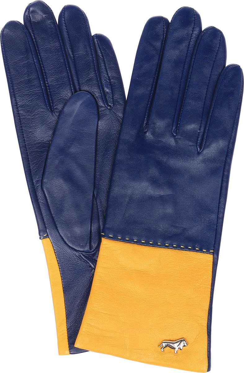 ПерчаткиLB-7777Женские перчатки Labbra выполнены из натуральной кожи ягненка. Они мягкие, максимально сохраняют тепло, идеально сидят на руке. Подкладка изделия изготовлена из натурального шелка. Лицевая сторона изделия дополнена декоративным элементом в виде логотипа бренда. На запястье модель присборена на резинку.