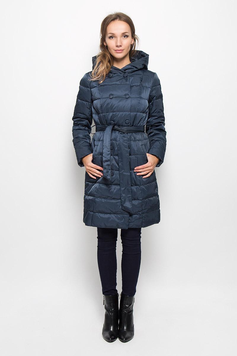 ПальтоCed-126/651-6414_м280231002Удобное и теплое женское пальто Sela согреет вас в прохладную погоду и позволит выделиться из толпы. Удлиненная модель с длинными рукавами и с капюшоном выполнена из прочного полиэстера с наполнителем из пуха и пера. Изделие дополнено двумя втачными карманами и широким поясом на талии, который можно завязать. Подкладка из полиэстера надежно сохранят тепло, благодаря чему такое пальто защитит вас от ветра и холода. Это модное и комфортное пальто - отличный вариант для прогулок, оно подчеркнет ваш изысканный вкус и поможет создать неповторимый образ.