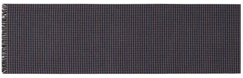 ШарфLJG34-379Мужской шарф Labbra, изготовленный из шелка и вискозы, мягкий и приятный на ощупь. Изделие оформлено принтом в клетку. По короткому краю модель оформлена бахромой.