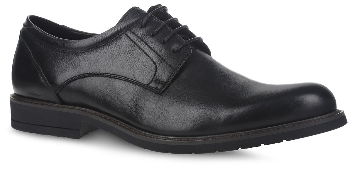 CRS44_57-5-742_BLACKМодные мужские полуботинки от El Tempo не оставят вас равнодушным благодаря своему дизайну и качеству. Модель выполнена из натуральной кожи и оформлена прострочкой. Классическая шнуровка надежно зафиксирует модель на ноге. Подкладка из мягкой кожи предотвратит натирание и обеспечит комфорт при носке. Стелька изготовлена из ЭВА материала с верхним покрытием из натуральной кожи и дополнена перфорацией для лучшего воздухообмена. Поверхность стельки оформлена фирменным принтом. Подошва, изготовленная из прочной и гибкой резины, дополнена небольшим каблуком. Рифление подошвы гарантирует отличное сцепление с различными поверхностями. Стильные полуботинки - незаменимая вещь в гардеробе каждого мужчины.