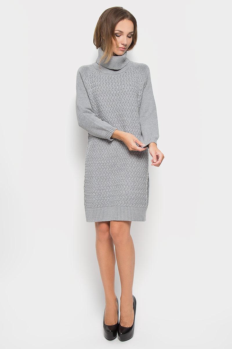 ПлатьеB415Вязаное платье Baon, изготовленное из высококачественного комбинированного материала, поможет создать привлекательный образ. Материал изделия мягкий, тактильно приятный, позволяет коже дышать. Модель с воротником-гольф и рукавами реглан. Воротник, низ рукавов и низ изделия связаны резинкой. Платье оформлено оригинальным узором. Такое платье будет дарить вам комфорт в течение всего дня и послужит замечательным дополнением к вашему гардеробу.
