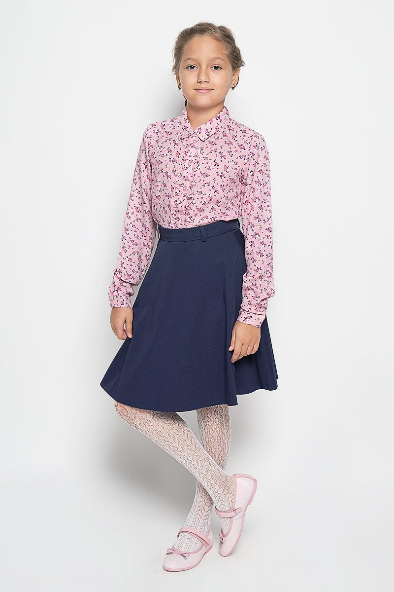 БлузкаB-612/180-6342Стильная блузка для девочки Sela, выполненная из 100% вискозы, станет отличным дополнением к детскому гардеробу. Благодаря составу, изделие тактильно приятное, не сковывает движений, позволяет коже дышать. Блузка с отложным воротником и длинными рукавами застегивается на пуговицы по всей длине. На рукавах предусмотрены манжеты на пуговицах. Украшена модель тонкой оборкой вдоль планки. Блузка оформлена цветочным принтом. Оригинальный дизайн и высокое качество исполнения принесут удовольствие от покупки и подарят отличное настроение!
