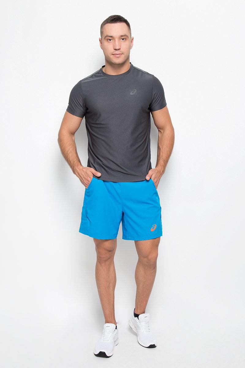 Шорты134644-8094Мужские шорты для тенниса Asics Athlete 7in Short - это незаменимый атрибут в гардеробе любого спортсмена. Стильные удобные шорты выполнены из высококачественного полиэстера, благодаря чему превосходно сидят, не стесняют движений и великолепно отводят влагу, оставляя тело сухим даже во время интенсивных тренировок. Сетчатая подкладка выполнена из эластичного полиэстера. Модель дополнена широкой эластичной резинкой на талии. Объем пояса регулируется при помощи шнурка-кулиски. Шорты имеют два втачных кармана спереди. Модель оформлена прорезиненным логотипом. Устремляясь за очередным укороченным ударом и высоким мячом, используйте всю силу ног, а легкие шорты помогут вам в этом: они подарят комфорт и полную свободу движений. Эти модные шорты послужат отличным дополнением к вашему спортивному гардеробу. В них вы всегда будете чувствовать себя уверенно и комфортно.