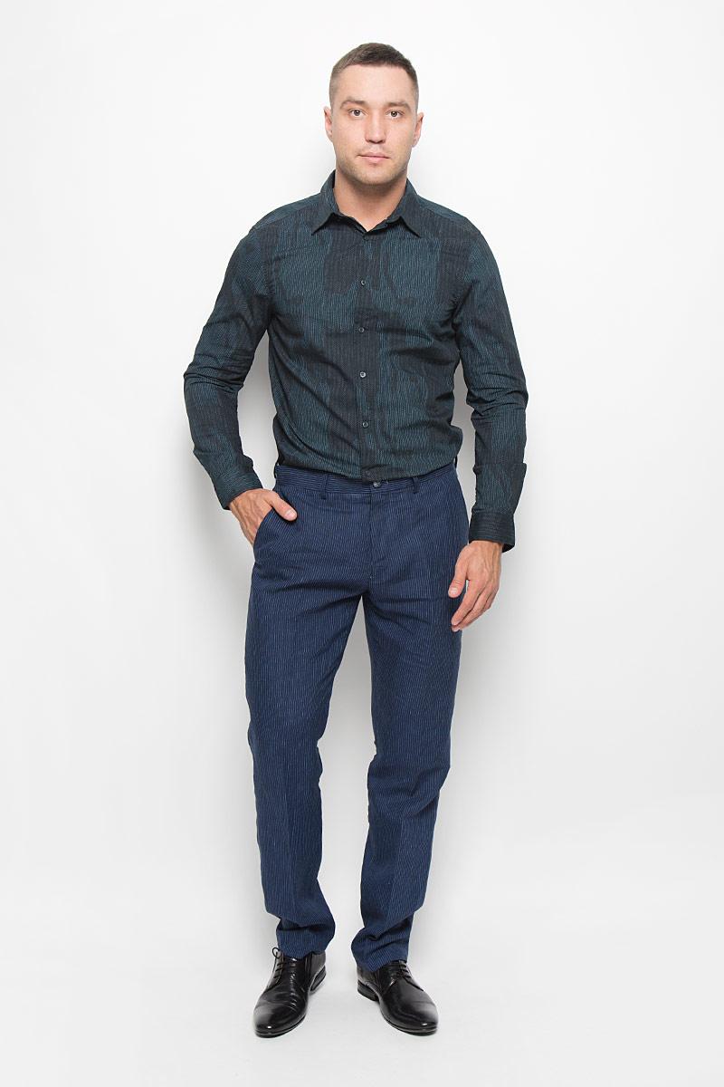 РубашкаMX3000751_MN_SHG_011Стильная мужская рубашка Mexx, выполненная из 100% хлопка, обладает высокой теплопроводностью, воздухопроницаемостью и гигроскопичностью, позволяет коже дышать, тем самым обеспечивая наибольший комфорт при носке. Модель классического кроя с отложным воротником застегивается на пуговицы по всей длине. Длинные рукава рубашки дополнены манжетами на пуговицах. Рубашка оформлена оригинальным принтом. Такая рубашка подчеркнет ваш вкус и поможет создать великолепный стильный образ.