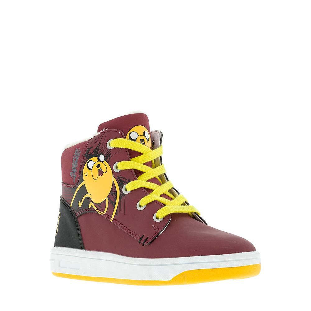 6272CУльтрамодные ботинки Adventure Time от Kakadu придутся по душе, как юным модникам, так и их заботливым родителям. Модель выполнена из синтетической кожи и оформлена изображением персонажа из мультфильма Время приключений. Классическая шнуровка и застежка-молния надежно фиксируют изделие на ноге. Подкладка из искусственной шерсти обеспечивает ногам тепло и сухость. Подошва из термопластичной резины обеспечит легкость и естественную свободу движений.