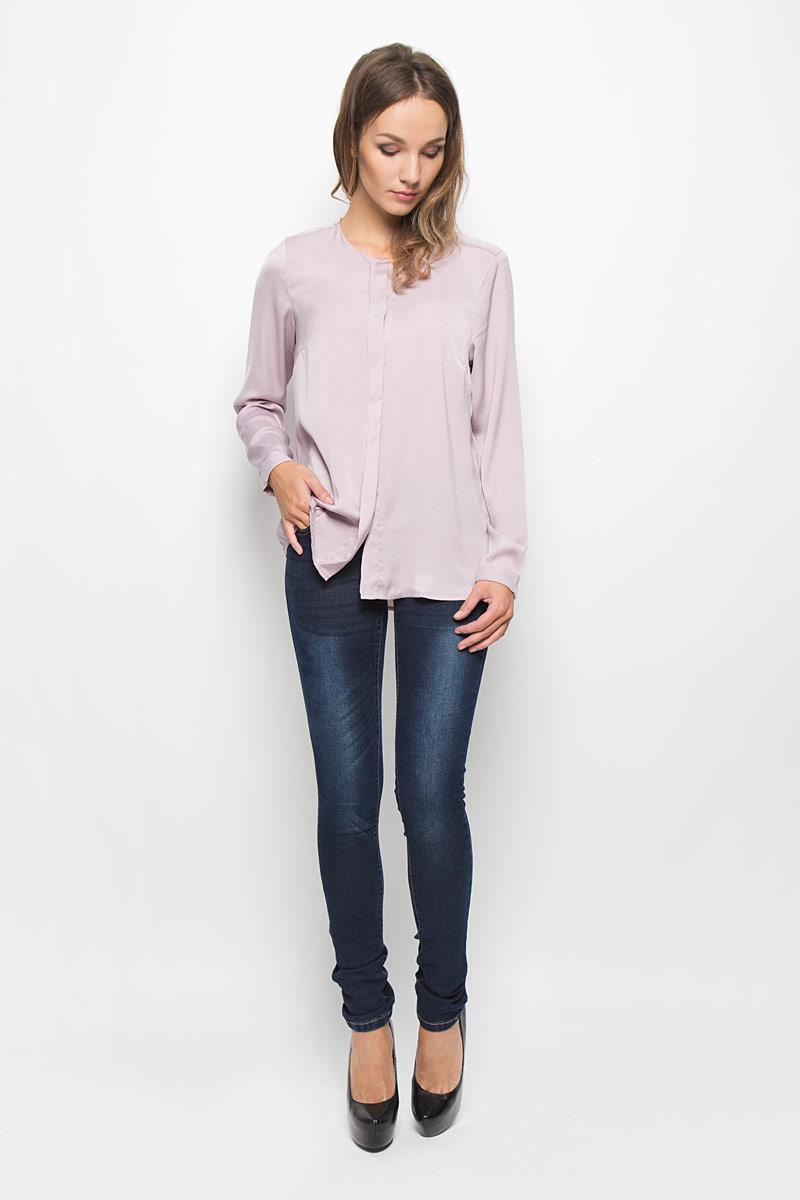B306512Стильные женские джинсы Baon - это джинсы высочайшего качества, которые прекрасно сидят. Они выполнены из высококачественного эластичного хлопка с добавлением полиэстера, что обеспечивает комфорт и удобство при носке. Модные джинсы скинни заниженной посадки станут отличным дополнением к вашему современному образу. Джинсы застегиваются на пуговицу в поясе и ширинку на застежке-молнии, имеют шлевки для ремня. Джинсы имеют классический пятикарманный крой: спереди модель оформлена двумя втачными карманами и одним маленьким накладным кармашком, а сзади - двумя накладными карманами. Эти модные и в то же время комфортные джинсы послужат отличным дополнением к вашему гардеробу.