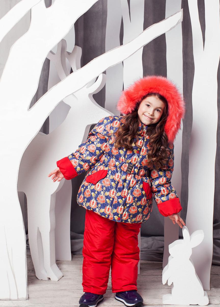 Комплект одежды для девочки Адель. 1КС16001КС1600Супер теплый и практичный зимний костюм от OLDOS. Покрытие Teflon защищает от воды и грязи, увеличивает износостойкость и упрощает уход за изделием. Утеплитель Hollofan 250/200 г/м2 гипоаллергенен, отлично удерживает тепло. Подкладка: хлопок (грудка и спинка), гладкий полиэстер в рукавах и брючинах для легкости одевания. Съемная подстежка на молнии из 60% овечьей шерсти. Температура -35...0 С. Куртка имеет весь необходимый функционал для комфортной носки: ветрозащитные планки, саморегулирующиеся трикотажные манжеты внутри рукавов, карманы, воротник-стойку с приятной к лицу трикотажной вставкой, съемный капюшон с регулируемым объемом и съемной опушкой из искусственного меха, на талии ремень с металлической пряжкой, низ куртки присборен на резинку. Полукомбинезон также очень функционален: широкие эластичные регулируемые лямки, застежка-молния, вшита резинка по линии талии, есть снего-ветрозащитные муфты, так же есть карманы. Костюм оснащен светоотражающими элементами.