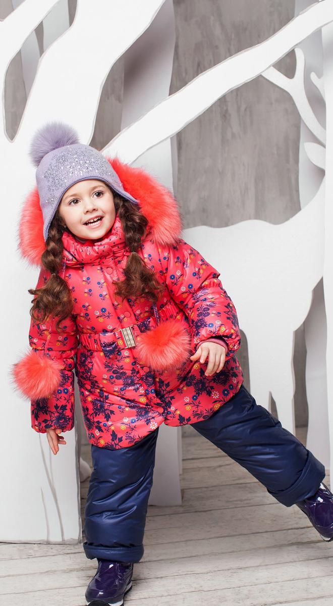Комплект одежды для девочки Жанна. 1КС16031КС1603Супер теплый и практичный зимний костюм от OLDOS. Покрытие Teflon защищает от воды и грязи, увеличивает износостойкость и упрощает уход за изделием. Утеплитель Hollofan 250/200 г/м2 гипоаллергенен, отлично удерживает тепло. Подкладка: хлопок (грудка и спинка), гладкий полиэстер в рукавах и брючинах для легкости одевания. Съемная подстежка на молнии из 60% овечьей шерсти. Температура -35...0 С. Куртка имеет весь необходимый функционал для комфортной носки: ветрозащитные планки, саморегулирующиеся трикотажные манжеты внутри рукавов, карманы, двойной воротник (внутренний - стойка из трикотажной резинки), съемный капюшон с регулируемым объемом и съемной опушкой из искусственного меха, на талии ремень с металлической пряжкой, низ куртки присборен на резинку. Полукомбинезон также очень функционален: широкие эластичные регулируемые лямки, застежка-молния, вшита резинка по линии талии, есть снего-ветрозащитные муфты, так же есть карманы. Костюм оснащен светоотражающими элементами.