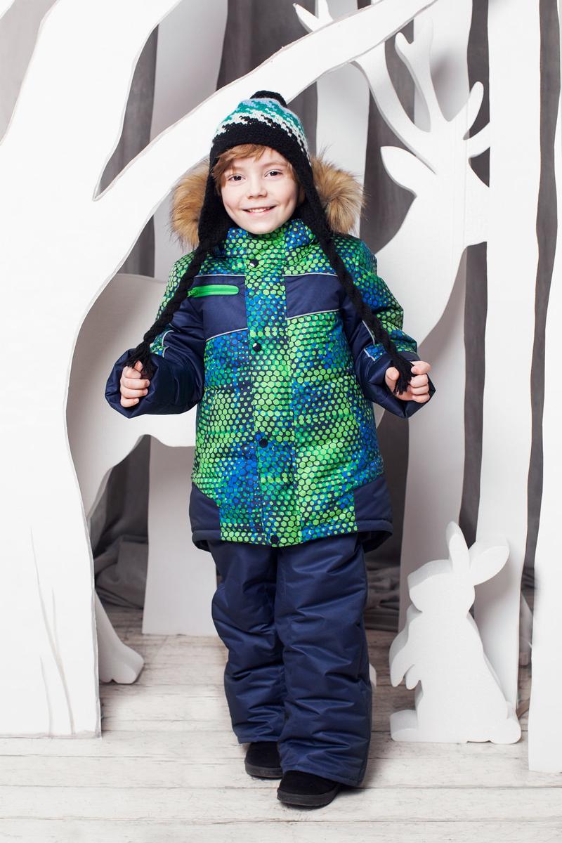 Комплект верхней одежды1КС1611Супер теплый и практичный зимний костюм от OLDOS. Покрытие Teflon защищает от воды и грязи, увеличивает износостойкость и упрощает уход за изделием. Утеплитель Hollofan 250/200 г/м2 гипоаллергенен, отлично удерживает тепло. Подкладка: хлопок (грудка и спинка), гладкий полиэстер в рукавах и брючинах для легкости одевания. Съемная подстежка на молнии из 60% овечьей шерсти. Температура -35...0 С. Куртка имеет весь необходимый функционал для комфортной носки: ветрозащитные планки, саморегулирующиеся трикотажные манжеты внутри рукавов, регулируемую утяжку по низу куртки, карманы, воротник-стойку с приятной к лицу трикотажной вставкой, съемный капюшон с регулируемым объемом и съемной опушкой из искусственного меха. Полукомбинезон также очень функционален: широкие эластичные регулируемые лямки, застежка-молния, вшита резинка по линии талии, есть снего-ветрозащитные муфты, усиления внизу брючин в местах сильного износа, так же есть карманы. Костюм оснащен светоотражающими элементами.