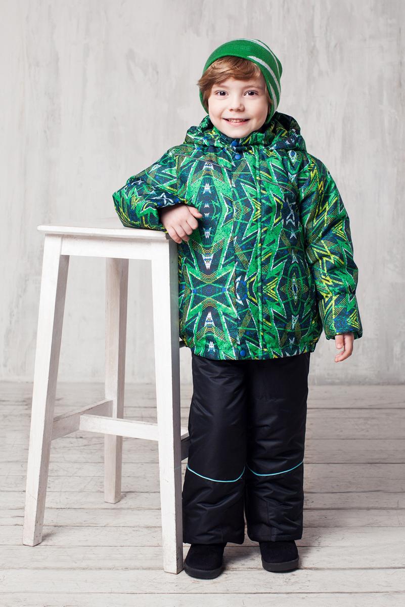 Комплект верхней одежды1КС1621Высокопрочный костюм из зимней коллекции JICCO by OLDOS оснащен всем самым необходимым для комфортной носки. Пропитка Teflon защитит от грязи и воды, увеличивает износостойкость и облегчает уход. Мембрана 2000/2000 делает костюм дышащим и обеспечивает водонепроницаемость. Гипоаллергенный утеплитель HOLLOFAN 300/150 г - эффективно удерживает тепло, не впитывает влагу и запах. Флисовая подкладка в области груди, спины и воротника, в рукавах и полукомбинезоне гладкий полиэстер для легкости одевания. Костюм может расти вместе с ребенком за счет отворотов. По краю капюшона и низу куртки вшита резинка, обеспечивающая лучшее прилегание. Противоснежные муфты, трикотажные манжеты, ветрозащитные планки и воротник-стойка прекрасно защитят от снега и ветра. Полукомбинезон хорошо закрывает грудку и спинку ребенка, а широкие эластичные лямки легко регулируются по высоте. Карманы в куртке на молнии, в полукомбинезоне карманов нет. Есть светоотражающие элементы. Температура -30 С...+0 С.