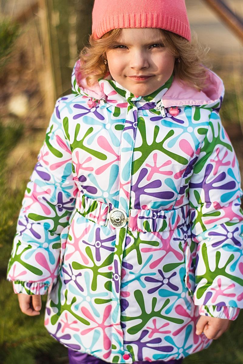 Куртка для девочки Аня. 2К15042К1504-1/2К1504-2Яркая и стильная демисезонная куртка от OLDOS. Внешняя ткань водо- и ветронепроницаемая благодаря специальным пропиткам. Утеплитель плотностью 200 г/кв.м. позволяет носить куртку при температуре от -5 С до +10 С. Хлопковая подкладка приятна к телу и создает ощущение комфорта. Двойная ветрозащитная планка, съемный капюшон с регулировкой объема, манжеты на резинке. Светоотражающие элементы для безопасности в темное время суток.