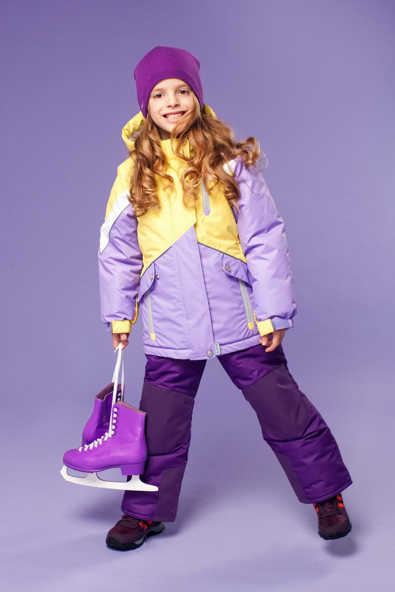 Комплект верхней одежды16/OA-1SU420Яркий комплект для девочки Oldos Active Альбина состоит из куртки и полукомбинезона. Комплект выполнен из водонепроницаемой и ветрозащитной ткани. Водо- и грязеотталкивающее покрытие Teflon повышает износостойкость модели, что обеспечивает ей хороший внешний вид на всем протяжении носки. В качестве наполнителя используется холлофан - легкий антиаллергенный материал, который обладает отличной терморегуляцией. Изделие легко стирается и быстро сохнет. Куртка с капюшоном и воротником-стойкой застегивается на пластиковую молнию с защитой подбородка. Модель оснащена двумя ветрозащитными планками, внешняя пристегивается на застежки-липучки и кнопки. Подкладка куртки (кроме рукавов) выполнена из теплого и мягкого флиса. Регулируемый капюшон, дополненный по краю эластичным шнурком со стопперами, пристегивается к куртке с помощью молнии и кнопок. Края рукавов присборены на резинки и дополнены хлястиками на липучках. На рукавах предусмотрены эластичные манжеты с отверстием...