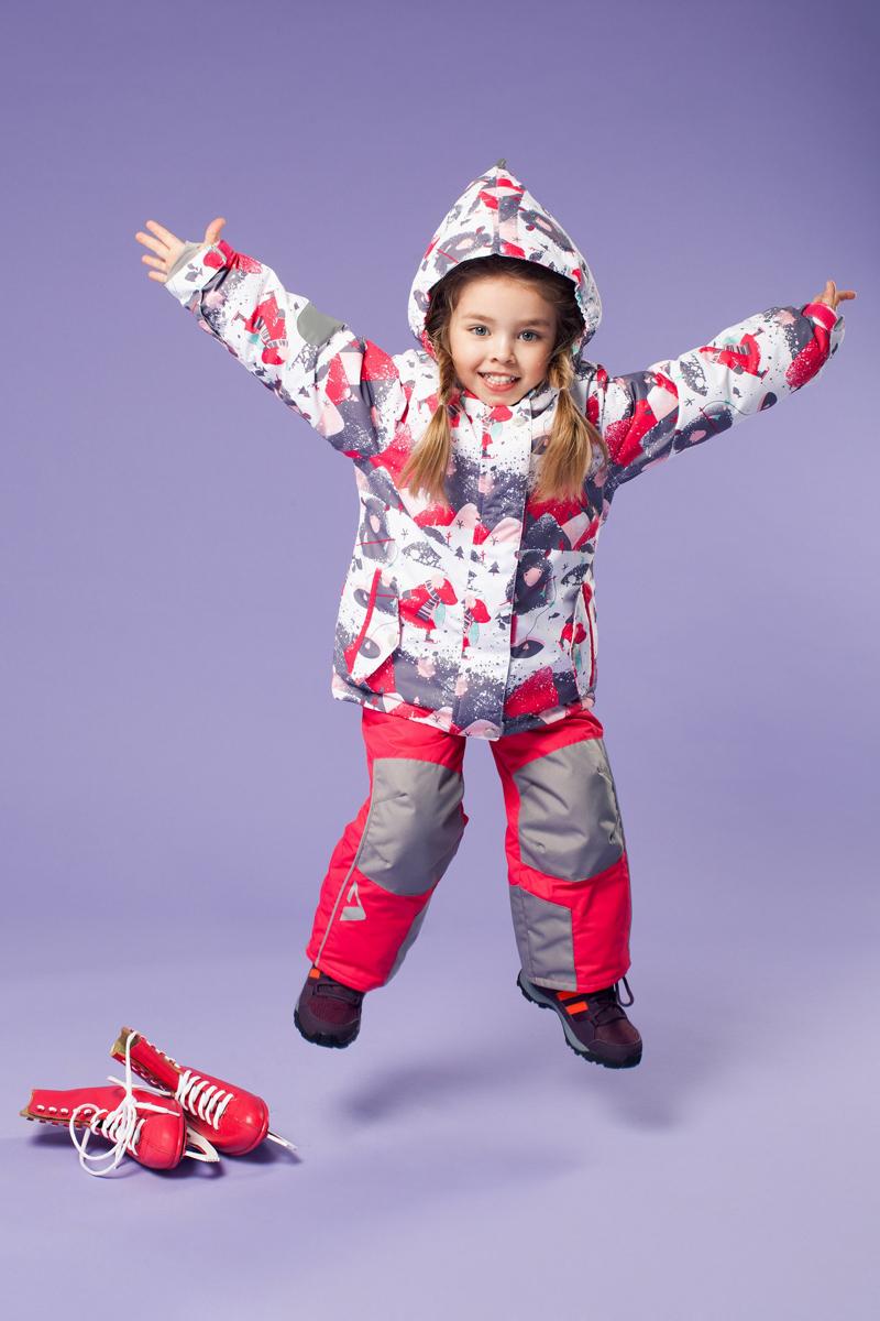Комплект верхней одежды16/OA-1SU424Долговечный и технологичный зимний костюм от OLDOS ACTIVE. Покрытие Teflon: защита от воды и грязи, износостойкость, за изделием легко ухаживать. Мембрана 5000/5000 обеспечивает водонепроницаемость, отвод влаги и комфорт. Гипоаллергенный утеплитель HOLLOFAN PRO 200/150 г/м2 - тоньше обычного, зато эффективнее удерживает тепло. Подклад флисовый (в рукавах и брючинах гладкий п/э для легкости одевания). Температурный режим (-30 С...+5 С). Костюм прекрасно защитит от ветра и снега благодаря воротнику-стойке, ветрозащитным планкам, снего-ветрозащитным муфтам и юбке; манжета регулируется по ширине. Дополнительно в рукавах есть эластичные манжеты с отверстием для большого пальца! Спинка удлиненная, низ куртки регулируется по ширине. Капюшон съемный с регулировкой объема. Карманы на молнии, есть внутренний кармашек на липучке. Полукомбинезон с застежкой на молнии, резинкой по талии, широкими эластичными регулируемыми подтяжками, карманами, усилениями в местах износа. Светоотражающие элементы.