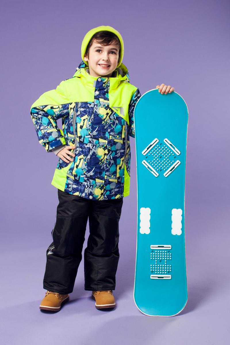 Комплект верхней одежды16/OA-1SU429Долговечный и технологичный костюм из зимней коллекции OLDOS ACTIVE. Покрытие Teflon: защита от воды и грязи, износостойкость, за изделием легко ухаживать. Мембрана 5000/5000: водонепроницаемость, одежда дышит. Гипоаллергенный утеплитель HOLLOFAN PRO 200/150 г/м2 - тоньше обычного, зато эффективнее удерживает тепло. Подклад флисовый (в рукавах и полукомбинезоне гладкий п/э для легкости одевания). Температурный режим (-30 С...+5 С). Костюм прекрасно защитит от ветра и снега благодаря воротнику-стойке, ветрозащитным планкам, снего-ветрозащитным муфтам и юбке; манжета регулируется по ширине. Дополнительно в рукавах есть эластичные манжеты с отверстием для большого пальца! Спинка удлиненная, низ куртки регулируется по ширине. Капюшон съемный с регулировкой объема. Карманы на молнии, есть внутренний кармашек на липучке. Полукомбинезон с застежкой на молнии, резинкой по талии, широкими эластичными регулируемыми подтяжками, карманами, усилениями в местах износа. Светоотражающие элементы.