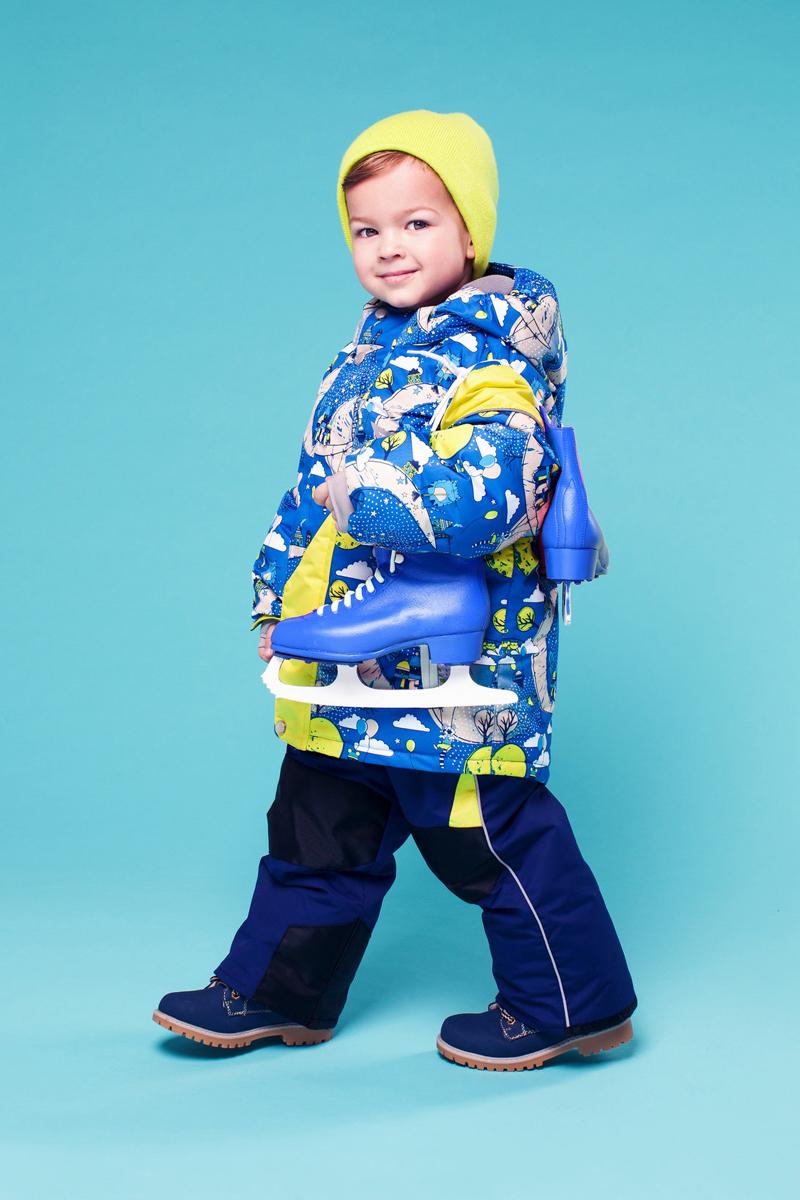 Комплект верхней одежды16/OA-1SU432Долговечный и технологичный зимний костюм Нильс от OLDOS ACTIVE состоит из куртки и полукомбинезона. Покрытие Teflon на ткани костюма надежно защищает его от снега и грязи, увеличивает износостойкость и облегчает уход за изделием. Мембрана 5000/5000 обеспечивает водонепроницаемость, выведение влаги и комфорт. Гипоаллергенный утеплитель HOLLOFAN PRO плотностью 200 г/м2 в куртке и 150 г/м2 в штанах тоньше обычного, зато эффективнее удерживает тепло. Температурный режим -30°С...+5°С. На спинке, груди, воротнике-стойке и в съемном капюшоне куртки есть мягкая, приятная на ощупь флисовая подкладка, помогающая мембранной ткани работать в полную силу. В рукавах куртки и полукомбинезоне - гладкий полиэстер для легкости одевания. Функционал куртки продуман до мелочей: двойная ветрозащитная планка по всей длине молнии с защитой подбородка, противоснежная юбка с антискользящей резинкой, регулируемые манжеты на липучке и резинке, эластичная мягкая внутренняя манжета с...