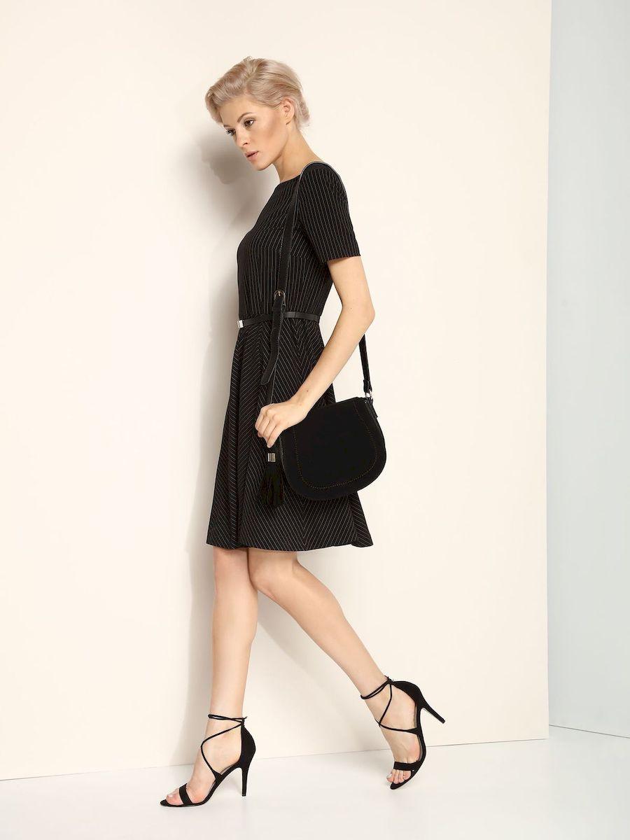 SSU1618CAЭлегантное платье Top Secret, изготовленное из сочетания высококачественных материалов на подкладке из полиэстера, оно приятное на ощупь, не раздражает кожу и хорошо вентилируется. Модель-миди с круглым вырезом горловины и стандартными короткими рукавами застегивается по спинке на потайную молнию. В поясе платье дополнено декоративным ремешком. Оформлено изделие принтом в полоску.