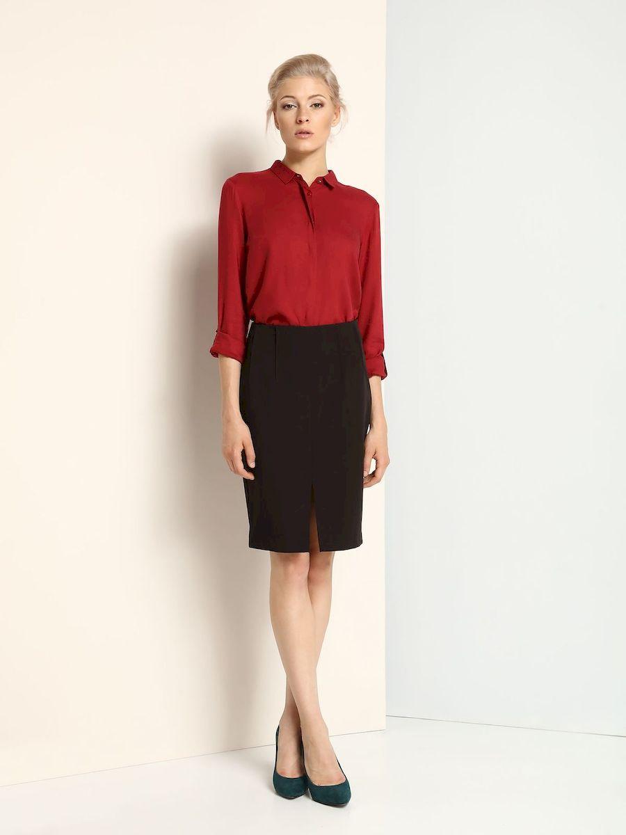 ЮбкаSSD1015CAСтильная юбка Top Secret выполнена из полиэстера и вискозы с добавлением эластана. Юбка-карандаш средней длины застегивается на скрытую застежку-молнию, расположенную сбоку. Спереди нижняя часть юбки дополнена разрезом.