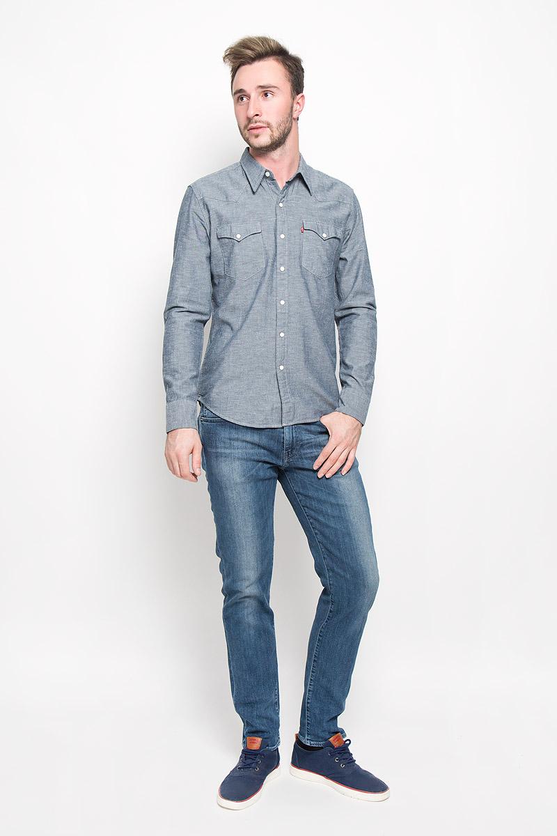 Рубашка6581600450Мужская рубашка Levis®, изготовленная из высококачественного хлопка необычайно мягкая и приятная на ощупь, она не сковывает движения и позволяет коже дышать, обеспечивая комфорт. Модель с классическим отложным воротником, длинными рукавами и полукруглым низом, застегивается на металлические кнопки. Пуговицы декорированы матовыми вставками. На груди расположены два накладных кармана. Один из карманов дополнен небольшой вставкой с логотипом бренда. Эта рубашка - идеальный вариант для повседневного гардероба. Такая модель порадует настоящих ценителей комфорта и практичности!
