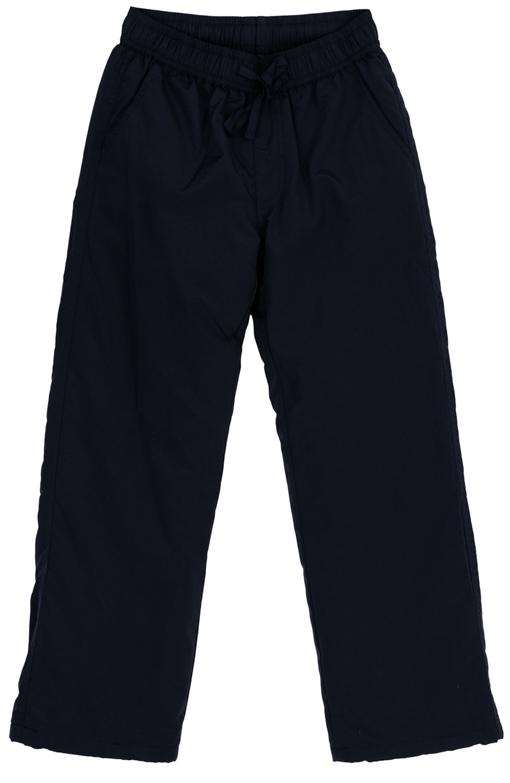 363098Утепленные брюки для мальчика изготовлены из непромокаемой плащевки. Брюки прямого кроя и стандартной посадки на талии имеют пояс на резинке, дополнительно регулируемый шнурком. По бокам имеются два втачных кармана. Низ брючин утягивается стопперами.