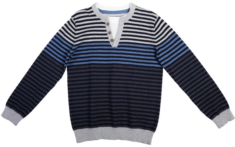 363074Удобный джемпер из вязаного трикотажа. Градиент цвета полосок от серого к темно-синему. На воротнике имитация застежки-поло, создающая эффект многослойности. Рукава и низ на мягкой вязаной резинке.