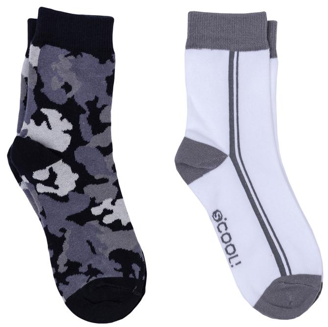 363177Комплект из двух пар уютных хлопковых носочков. Цвета - белый и в стиле милитари. Верх на мягкой резинке.