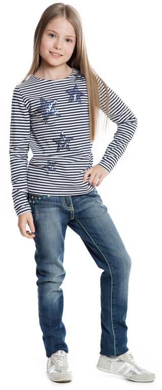 364168Стильная полосатая футболка с длинными рукавами. Украшена аппликациями в виде звездочек из сверкающих синих пайеток.
