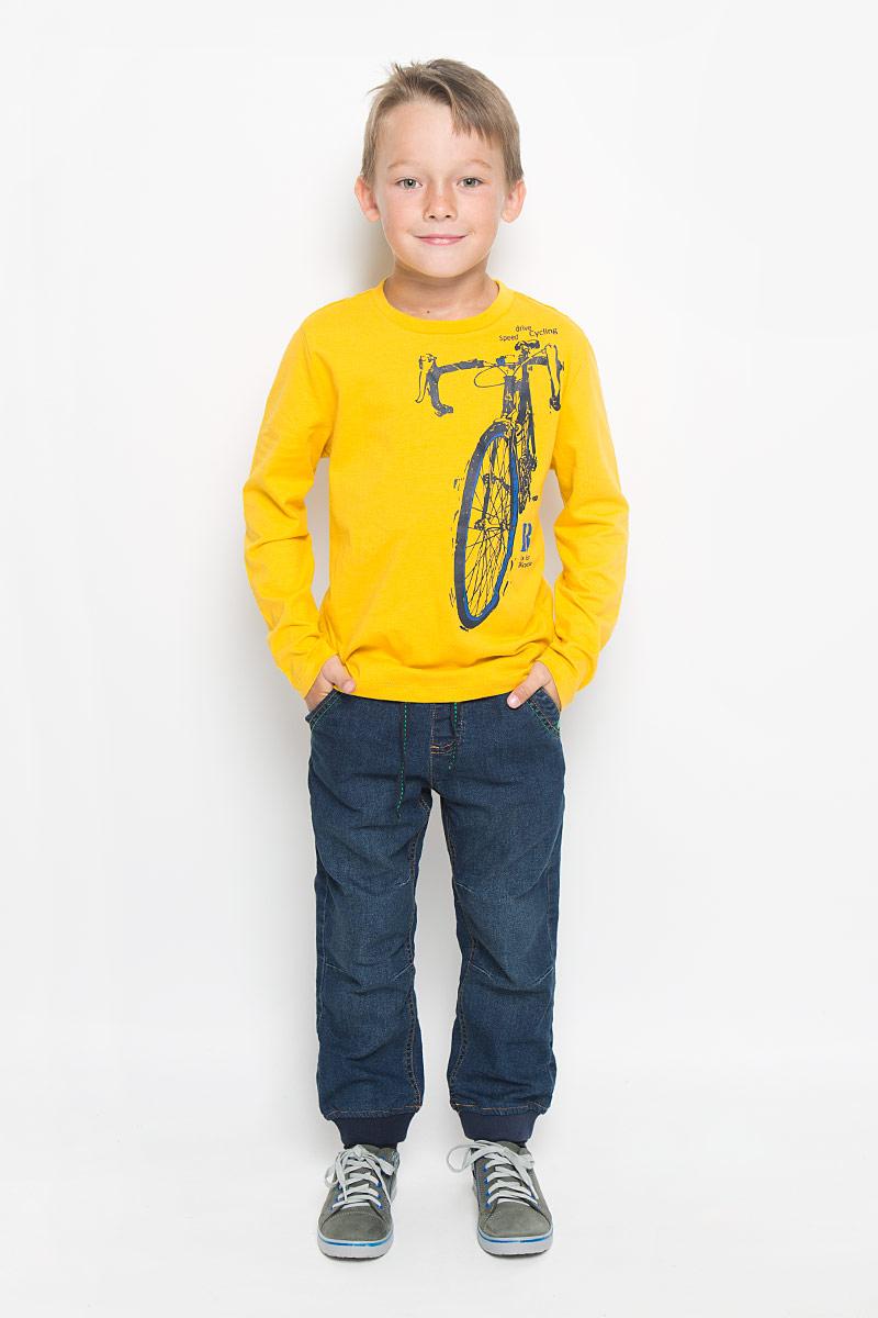 Лонгслив для мальчика. T-811/1033-6333_м152002T-811/1033-6333_м152002Стильный лонгслив для мальчика Sela идеально подойдет вашему ребенку. Изготовленный из натурального хлопка, он необычайно мягкий и приятный на ощупь, не сковывает движения и позволяет коже дышать, не раздражает даже самую нежную и чувствительную кожу ребенка, обеспечивая ему наибольший комфорт. Лонгслив с круглым вырезом горловины спереди оформлен оригинальным изображением велосипеда, а также принтовыми надписями. Вырез горловины дополнен трикотажной эластичной резинкой. Оригинальный современный дизайн и расцветка делают этот лонгслив модным и стильным предметом детского гардероба. В нем ваш маленький мужчина будет чувствовать себя уютно и комфортно, и всегда будет в центре внимания!
