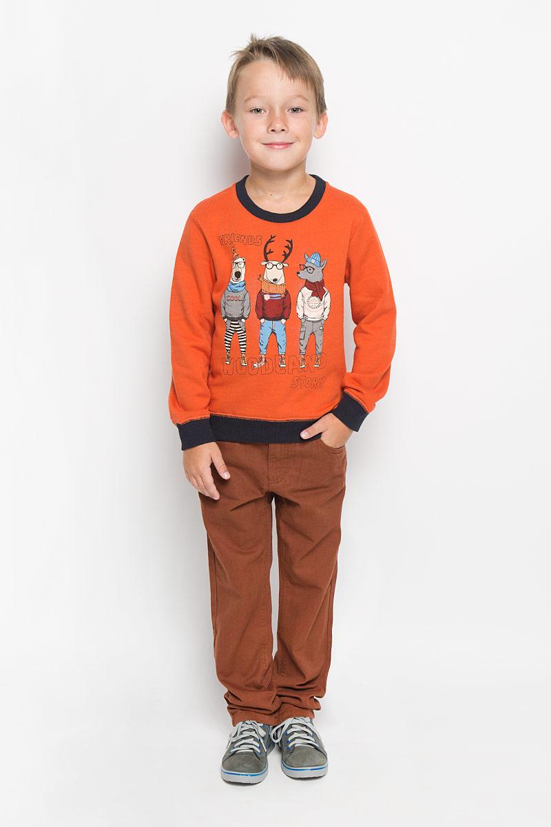 СвитшотSt-713/455-6414Свитшот для мальчика Sela идеально подойдет вашему юному моднику. Изготовленный из натурального хлопка, он мягкий и приятный на ощупь, не сковывает движения и позволяет коже дышать, обеспечивая наибольший комфорт. Лицевая сторона изделия гладкая, изнаночная с мягким начесом. Модель с длинными рукавами и круглым вырезом горловины. Рукава имеют трикотажные манжеты, не стягивающие запястья. Понизу проходит широкая трикотажная резинка. Вырез горловины также дополнен трикотажной эластичной резинкой. Изделие оформлено оригинальным принтом. Современный дизайн и расцветка делают этот свитшот модным и стильным предметом детского гардероба. В нем ваш ребенок всегда будет в центре внимания!