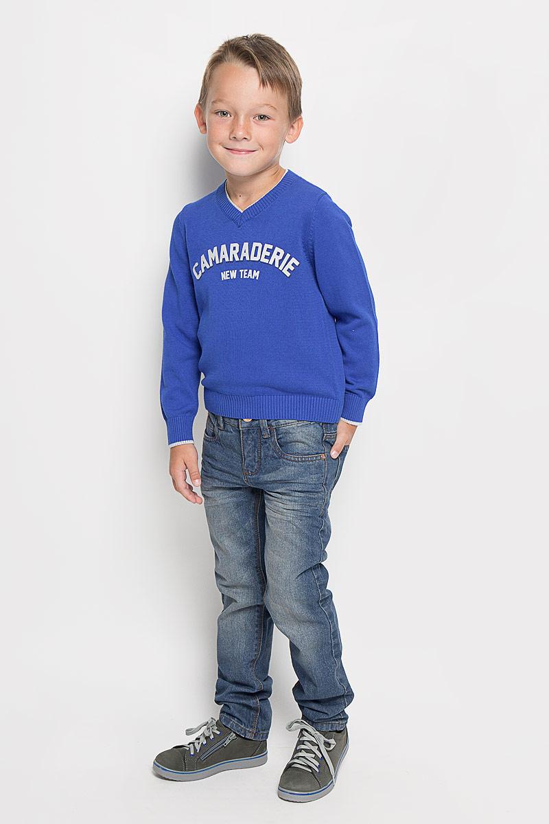 6204640.00.30_1195Стильные джинсы Tom Tailor станут отличным дополнением к гардеробу вашего мальчика. Изготовленные из натурального хлопка, они необычайно мягкие и приятные на ощупь, не сковывают движения и позволяют коже дышать, не раздражают даже самую нежную и чувствительную кожу ребенка, обеспечивая наибольший комфорт. Джинсы застегиваются на пуговицу в поясе и ширинку на застежке-молнии. С внутренней стороны пояс дополнен регулируемой эластичной резинкой, которая позволяет подогнать модель по фигуре. На поясе предусмотрены шлевки для ремня. Джинсы имеют классический пятикарманный крой: спереди модель оформлена двумя втачными карманами и одним маленьким накладным кармашком, а сзади - двумя накладными карманами. Модель оформлена контрастной прострочкой, перманентными складками и эффектом потертости. Современный дизайн и расцветка делают эти джинсы модным и стильным предметом детского гардероба. В них вам мальчик будет чувствовать себя уютно и комфортно, и всегда будет в центре внимания!