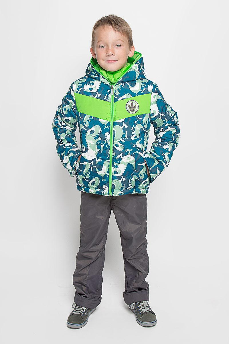 64058_BOB_вар.1Комплект одежды Boom!, состоящий из куртки и утепленных брюк, идеально подойдет для вашего мальчика в прохладное время года. Куртка изготовлена из 100% полиэстера и оформлена принтом с изображением динозавров, спереди - декоративной нашивкой, сбоку и на нижней части спинки - фирменными светоотражающими нашивками. Подкладка, выполненная из полиэстера с добавлением вискозы, приятная на ощупь. В качестве утеплителя используется синтепон - 100% полиэстер. Куртка с капюшоном и небольшим воротником-стойкой застегивается на застежку-молнию, которая расположена по всей длине куртки, включая капюшон. На рукавах предусмотрены трикотажные напульсники, которые предотвращают проникновение снега и ветра. Брюки, изготовленные из полиэстера на флисовой подкладке, приятные на ощупь, не сковывают движения и обеспечивают наибольший комфорт. Брюки прямого кроя на талии имеют широкий эластичный пояс и затягиваются на шнурок. По бокам предусмотрены два прорезных ...