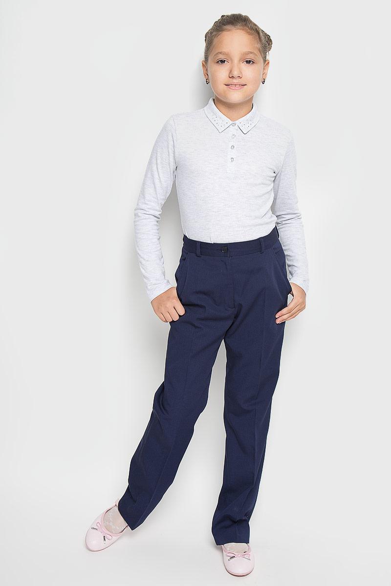 Брюки12.017827Стильные брюки BTC станут отличным дополнением к школьному гардеробу вашей девочки. Изготовленные из полиэстера с добавлением вискозы, они необычайно мягкие и приятные на ощупь, не сковывают движения и позволяют коже дышать, не раздражают даже самую нежную и чувствительную кожу ребенка, обеспечивая наибольший комфорт. Брюки прямого кроя застегиваются на пуговицу в поясе и ширинку на застежке-молнии. С внутренней стороны в поясе предусмотрена регулируемая эластичная резинка, позволяющая подогнать модель по фигуре. Модель дополнена спереди двумя втачными карманами. На поясе предусмотрены шлевки для ремня. Классически дизайн и расцветка делают эти брюки стильным предметом школьного гардероба. В них ваша девочка всегда будет в центре внимания!