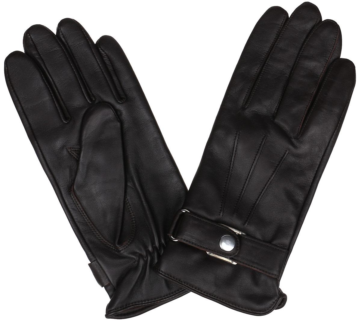 Перчатки мужские. 3606A3606A/10Стильные мужские перчатки Baggini не только защитят ваши руки от холода, но и станут великолепным украшением. Перчатки выполнены из чрезвычайно мягкой и приятной на ощупь натуральной кожи на подкладке из акриловой пряжи. С внешней стороны перчатки дополнены декоративным хлястиком на кнопке. В настоящее время перчатки являются неотъемлемой принадлежностью одежды. Перчатки станут завершающим и подчеркивающим элементом вашего стиля и неповторимости.