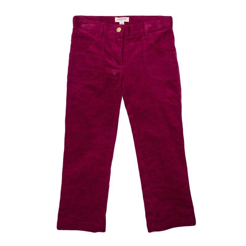 Брюки367059Стильные вельветовые брюки зауженного кроя. Застегиваются на молнию и пуговицу. Есть 4 функциональных кармана.