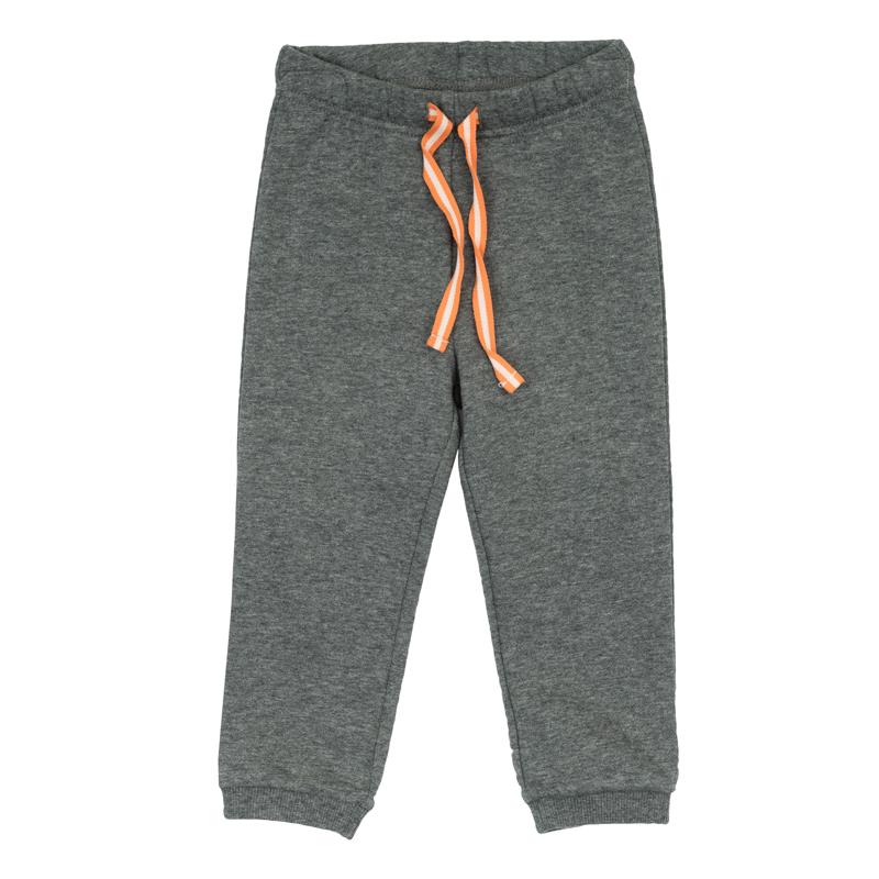 Брюки367062Стильные теплые брюки из футера с начесом. Низ штанишек и пояс на резинке, дополнительно регулируется цветной тесьмой.