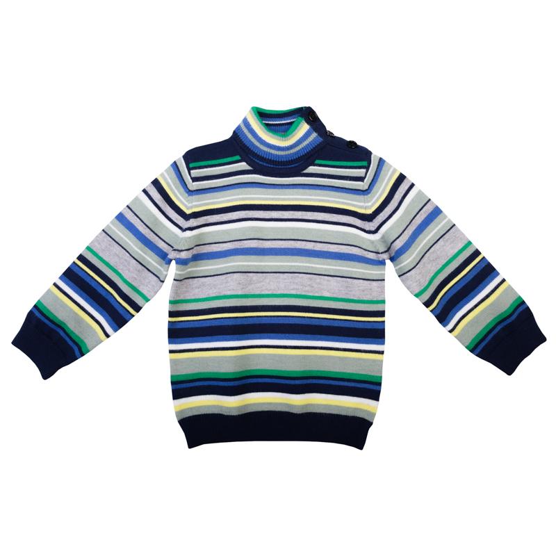 367007Уютный свитер из вязаного трикотажа. Стильный рисунок в разнокалиберную полоску. Воротник, рукава и низ на мягкой вязаной резинке. Высокий воротник-стойка защитит от ветра. Застегивается на пуговицы на плече, чтобы его удобно было надевать и снимать.