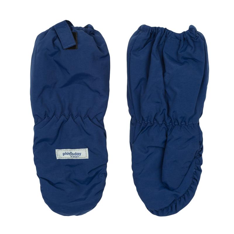 Варежки детские367077Уютные рукавицы из непромокаемой плащевки. Внутри мягкая и теплая флисовая подкладка. Верх на мягкой резинке, есть крепления для куртки.