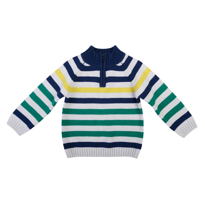 Свитер367006Уютный свитер из вязаного трикотажа. Стильный рисунок в разнокалиберную полоску. Воротник, рукава и низ на мягкой вязаной резинке. Высокий воротник-стойка защитит от ветра. Застегивается на молнию до груди, чтобы его удобно было надевать и снимать.