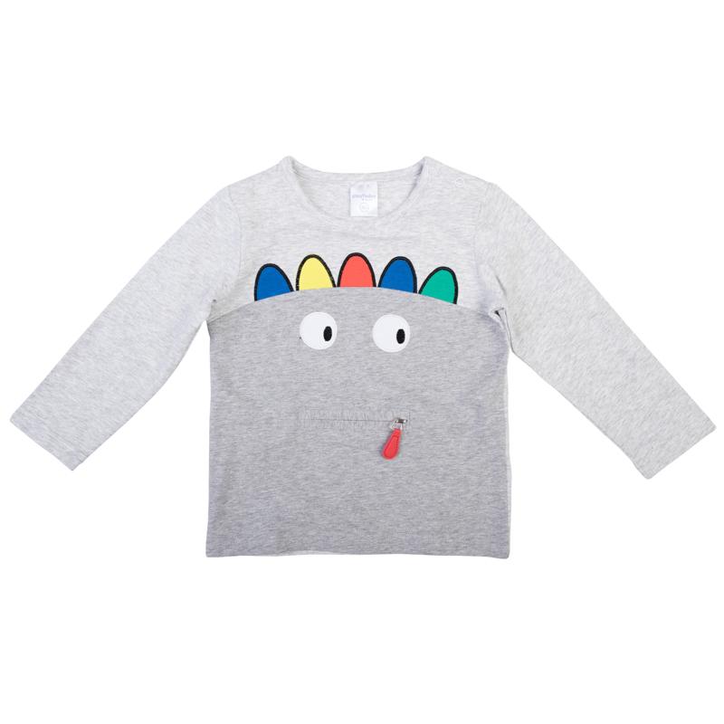 367018Уютная хлопковая футболка с длинными рукавами. Украшена забавным принтом, есть декоративная молния, имитирующая пасть динозаврика. Застегивается на кнопки на плече, чтобы ее удобно было надевать и снимать.
