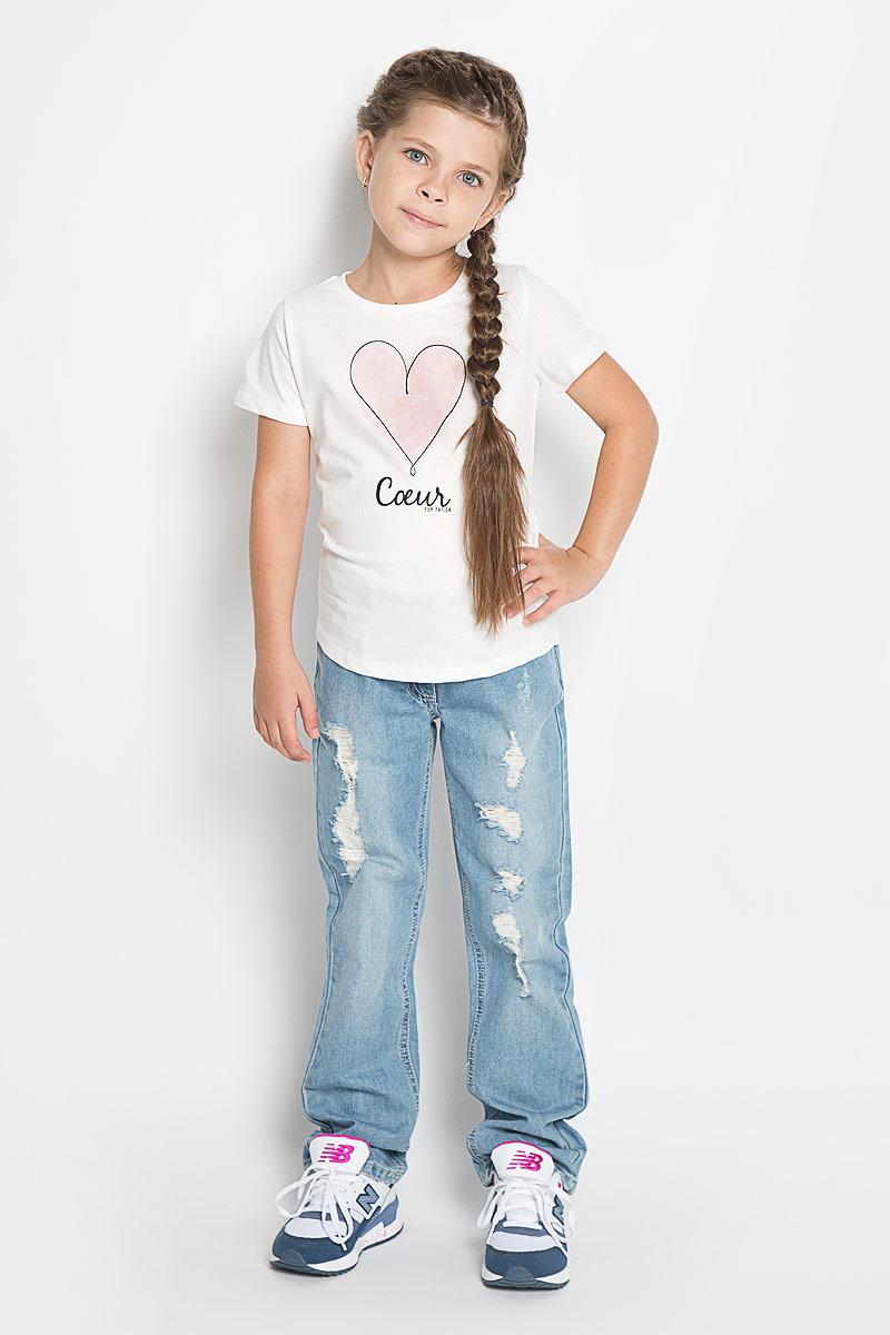 1034545.00.81_2067Футболка для девочки Tom Tailor станет модным дополнением к детскому гардеробу. Модель выполнена из натурального хлопка, очень приятная на ощупь, не сковывает движения и хорошо пропускает воздух, обеспечивая наибольший комфорт. Футболка с круглым вырезом горловины и короткими рукавами имеет слегка приталенный силуэт. Модель украшена оригинальным принтом с надписями. Дизайн и расцветка делают эту футболку стильным предметом детской одежды, она поможет создать отличный современный образ.