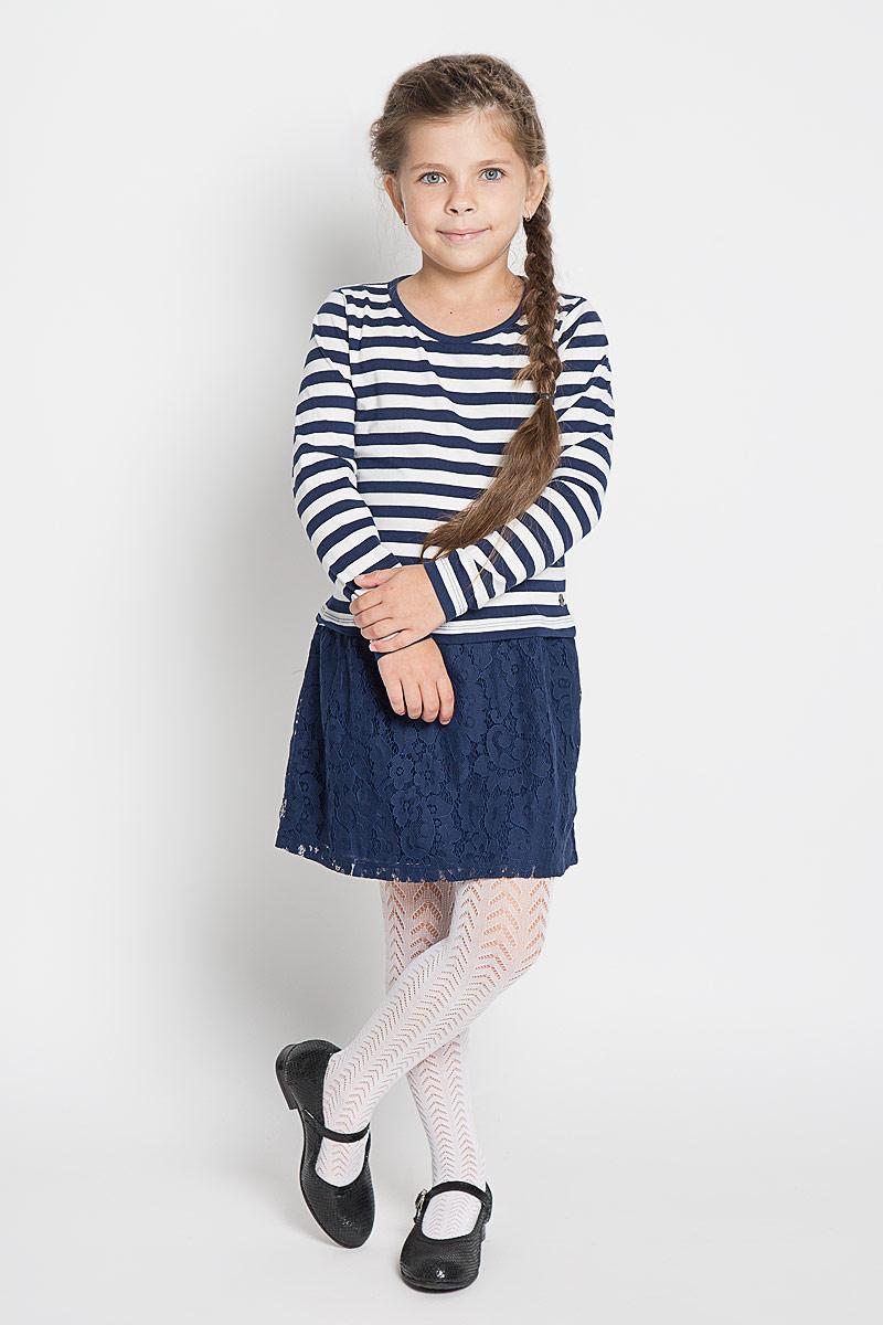 Платье5019153.40.81_6814Стильное платье для девочки Tom Tailor, изготовленное из высококачественного материала, оно необычайно мягкое и приятное на ощупь, не сковывает движения и позволяет коже дышать, не раздражает даже самую нежную и чувствительную кожу ребенка, обеспечивая ему наибольший комфорт. Платье с круглым вырезом горловины оформлено в стиле морячки. Юбка изделия оформлена гипюром. В таком платье маленькая принцесса всегда будет в центре внимания!