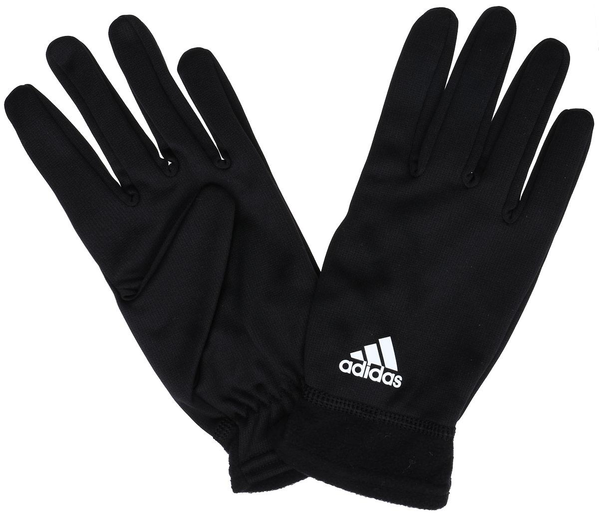 ПерчаткиAB0412Перчатки для бега Adidas Clmwm Flc Gl предназначены для занятий активными видами спорта в холодную погоду. Изделие выполнено из высококачественного полиэстера по технологии climawarm - защищают от холода, эффективно отводя от поверхности рук избытки тепла и влаги. Эластичные манжеты с плоскими швами обеспечивают надежную фиксацию. Тыльная сторона перчаток украшена логотипом бренда.